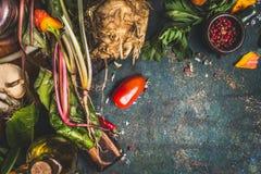 Vegetais orgânicos crus do jardim Foto de Stock Royalty Free
