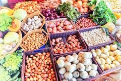 Vegetais orgânicos frescos no mercado local dos fazendeiros Imagem de Stock