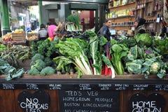 Vegetais orgânicos no mercado da cidade em Londres, Reino Unido Foto de Stock Royalty Free