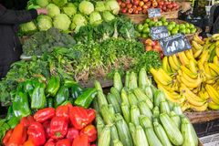 Vegetais para a venda em um mercado Foto de Stock