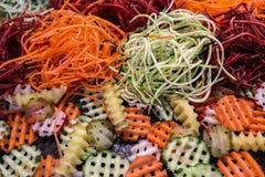 Vegetais shredded crus diferentes como exemplo de uma dieta saudável Imagens de Stock