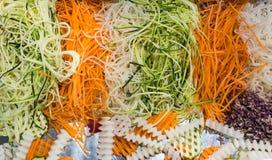 Vegetais shredded crus diferentes como exemplo de uma dieta saudável Foto de Stock Royalty Free