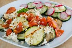 Vegetais sortidos com o forno do queijo grelhado Fotos de Stock Royalty Free