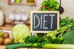 Vegetais verdes da dieta, sinal da dieta Fotografia de Stock Royalty Free
