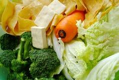 Vegetais verdes frescos e batido verde Imagens de Stock