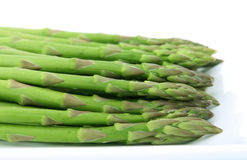 Vegetais verdes frescos, isolados sobre o branco Imagens de Stock Royalty Free