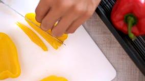 vegetal da fatia do ‹do †para cozinhar vídeos de arquivo