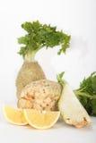 Vegetal de raiz fresco do aipo com fatia de limão Fotografia de Stock