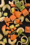 Vegetal fresco da sopa com cenoura, alho-porros, aipo e salsa Fotos de Stock Royalty Free