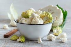 vegetarian еды принципиальной схемы cauliflower свежий healty органический сырцовый Стоковые Изображения RF