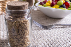 vegetarian салата фарфора померанцев виноградин плодоовощ еды Стоковое Изображение