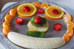 vegetarian салата фарфора померанцев виноградин плодоовощ еды Стоковые Изображения