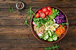 Vegetarian Buddha bowl with quinoa and fresh vegetables Stock Photography
