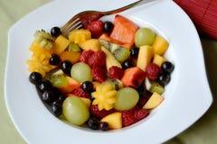vegetarian för sallad för porslin för apelsiner för matfruktdruvor Royaltyfria Bilder
