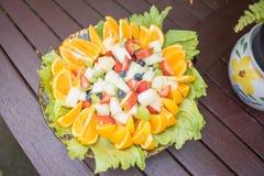 vegetarian för sallad för porslin för apelsiner för matfruktdruvor Royaltyfria Foton
