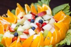vegetarian för sallad för porslin för apelsiner för matfruktdruvor Arkivfoton