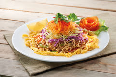 Vegetarian  Fried noodle with egg Royalty Free Stock Photography
