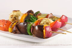 Vegetarian organic skewers Royalty Free Stock Photos
