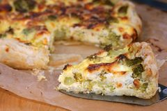 Vegetarian quiche with broccoli Stock Photos