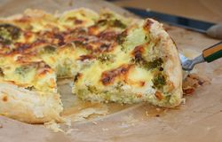 Vegetarian quiche with broccoli Royalty Free Stock Photo