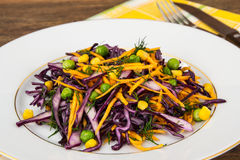 Vegetarian salad with corn, carrots and red cabbage Stock Photography