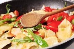 vegetarian stir макаронных изделия fry стоковое фото
