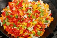 Vegetarian wokar uppståndelsesmåfisk Arkivfoton