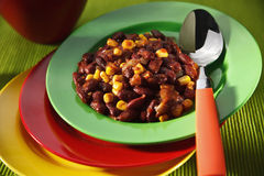 Vegetariano chili con carne em placas coloridas Fotografia de Stock