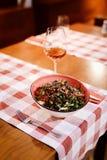 Vegetariano orgânico da salada - vegetariano imagem de stock royalty free