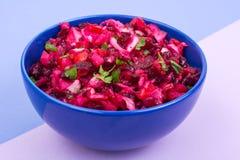 Vegetarisch menu Bietensalade van gekookte groenten stock fotografie