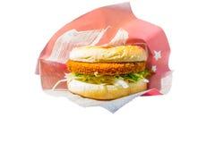 Vegetarische die hamburger op witte achtergrond wordt geïsoleerd Stock Foto