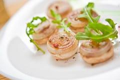 Vegetarische Mahlzeit auf dem Teller in einer Gaststätte stockfotografie