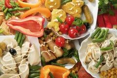 Vegetarische Nahrung auf einer Tabelle Lizenzfreie Stockfotografie