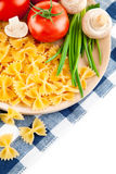 Vegetarische Nahrung mit Tomate und Champignons Lizenzfreie Stockbilder