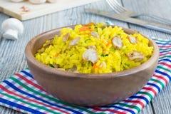 Vegetarische rijst met paddestoelen Stock Fotografie