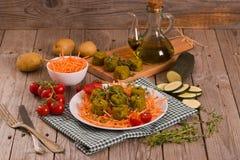 Vegetarische vleesballetjes stock foto's
