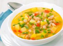 Vegetarische weiße Bohnensuppe Lizenzfreie Stockfotografie