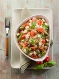Vegetarischer Reissalat mit Tofu Lizenzfreie Stockfotografie