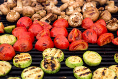 Vegetarisk mat, grillade grönsaker Royaltyfria Bilder