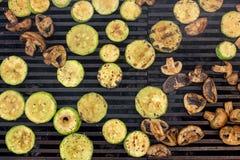 Vegetarisk mat, grillade grönsaker Fotografering för Bildbyråer