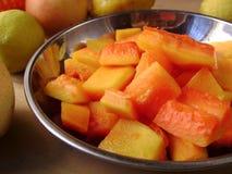 Vegetarisk papayasallad för sommar Fotografering för Bildbyråer