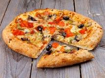 Vegetarisk pizza Arkivfoton