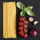 Vegetariska pastaingredienser Arkivbilder