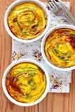 Vegetariska tartalets med zucchinin och morötter Arkivfoton