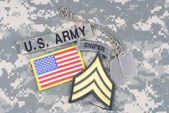 Vegetazione lussureggiante di sergente dell'ESERCITO AMERICANO, linguetta del tiratore franco, toppa della bandiera, con la medag Fotografie Stock