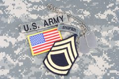 Vegetazione lussureggiante di sergente First Class dell'ESERCITO AMERICANO, linguetta del tiratore franco, toppa della bandiera,  Immagini Stock
