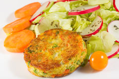 Veggie burger with salad Royalty Free Stock Images