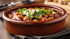 Veggie chili z pisklęcymi grochami i fasolami obrazy stock