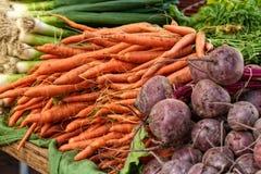 Veggies bij de markt van de landbouwer Stock Foto's