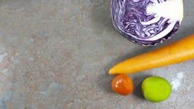 Veggiessalat, Diät, Vegetarier, Lebensmittel des strengen Vegetariers, Vitaminsnack, Draufsicht, Kopienraum für Design lizenzfreie stockfotografie